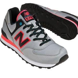 New Balance Windbreaker 574 Shoes Men 9.5 Women 11